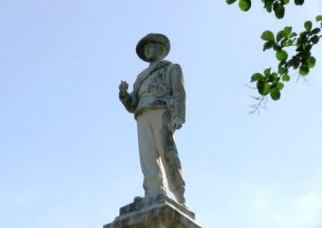 os-lake-eola-park-confederate-statue-20170511